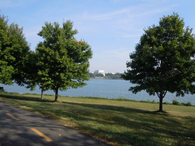 And the Lincoln Memorial from the Virginia side...I hope the French lady had some views like this.