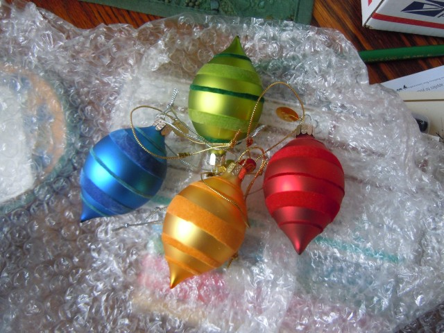There used to be purple one, too, but it went the way of many ornaments...